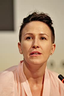 Anna Kazejak Picture