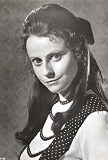Aktori Ania Marson
