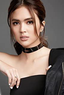 Sofia Andres Picture