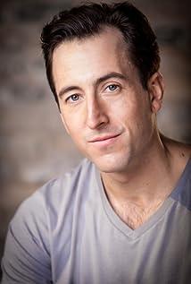 Aktori Andrew Cecon