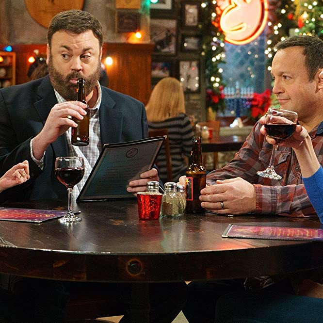 Erinn Hayes, Kevin James, Jackie Sandler, and Christopher Brian Roach in Kevin Can Wait (2016)