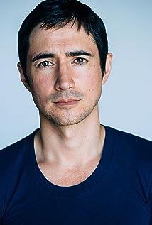 Alex Wyndham Picture