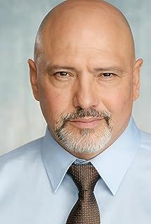 Aktori Carlos Arellano