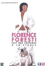 Florence Foresti fait des sketches à la Cigale