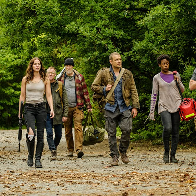 David Cubitt, Vincent Gale, Christopher Heyerdahl, Kelly Overton, Jonathan Scarfe, Rukiya Bernard, and Hilary Jardine in Van Helsing (2016)