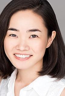 Aktori Azumi Tsutsui
