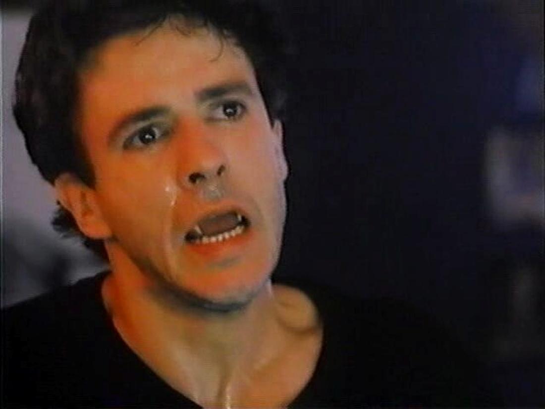 Scott Valentine In To Sleep With A Vampire (1993)