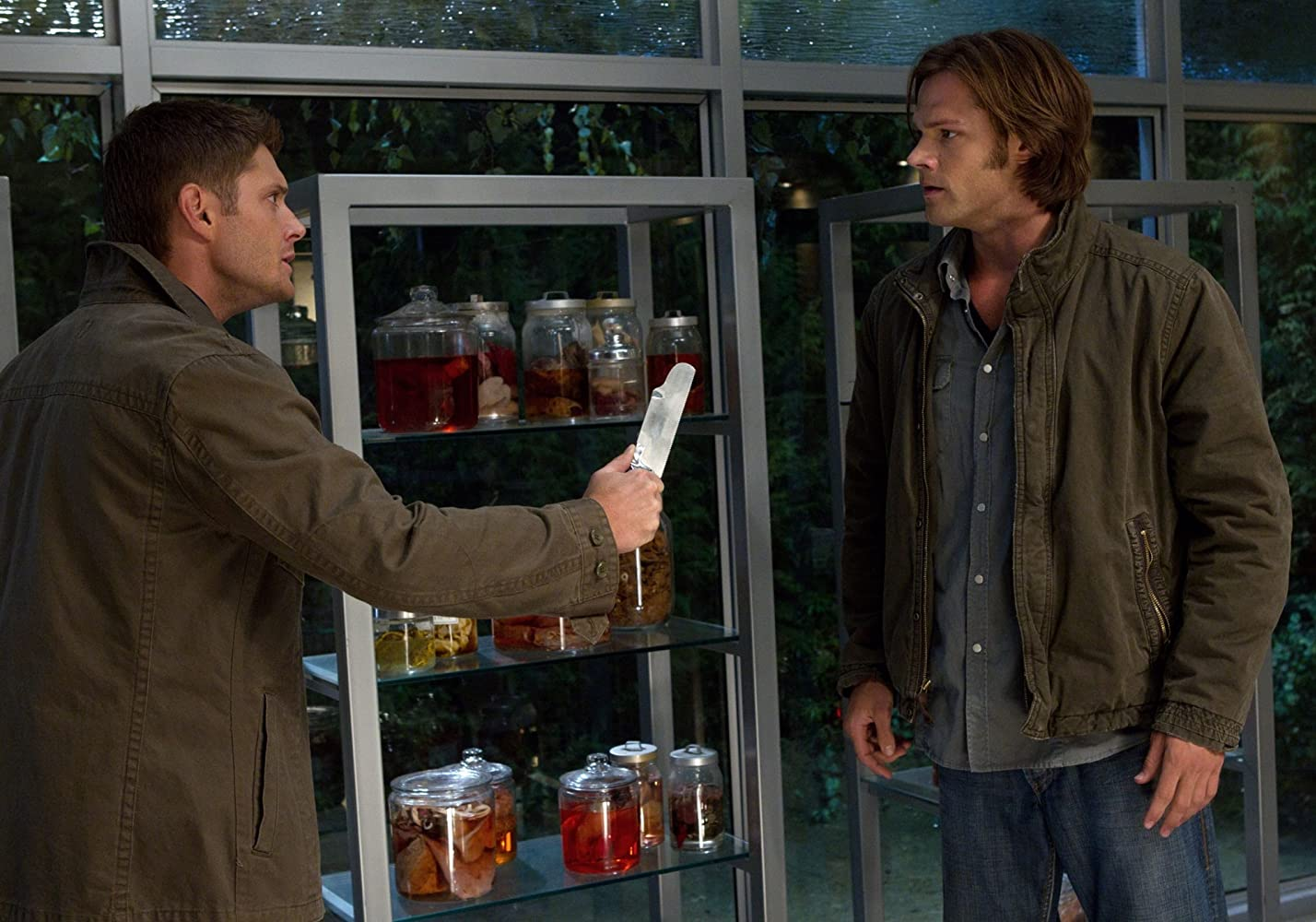Supernatural S13E01 – Lost and Found, film serial online subtitrat în Română