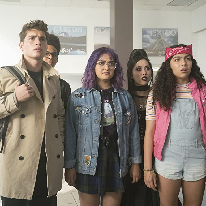 Gregg Sulkin, Ariela Barer, and Lyrica Okano in Runaways (2017)