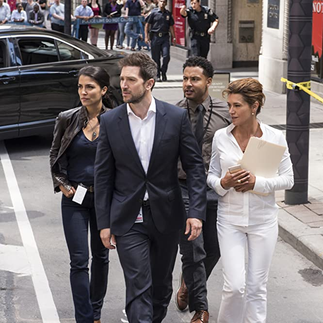 Emma de Caunes, Luke Roberts, Nazneen Contractor, Brandon Jay McLaren, and Sarah Greene in Ransom (2017)