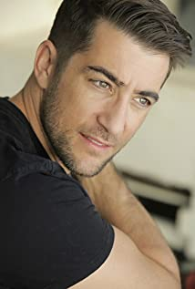 Jonathan Togo Picture