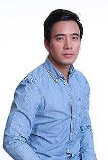 Erik Santos Picture