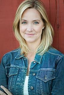 Julia Barnett Picture