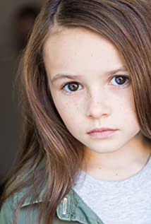 Aktori Cailey Fleming