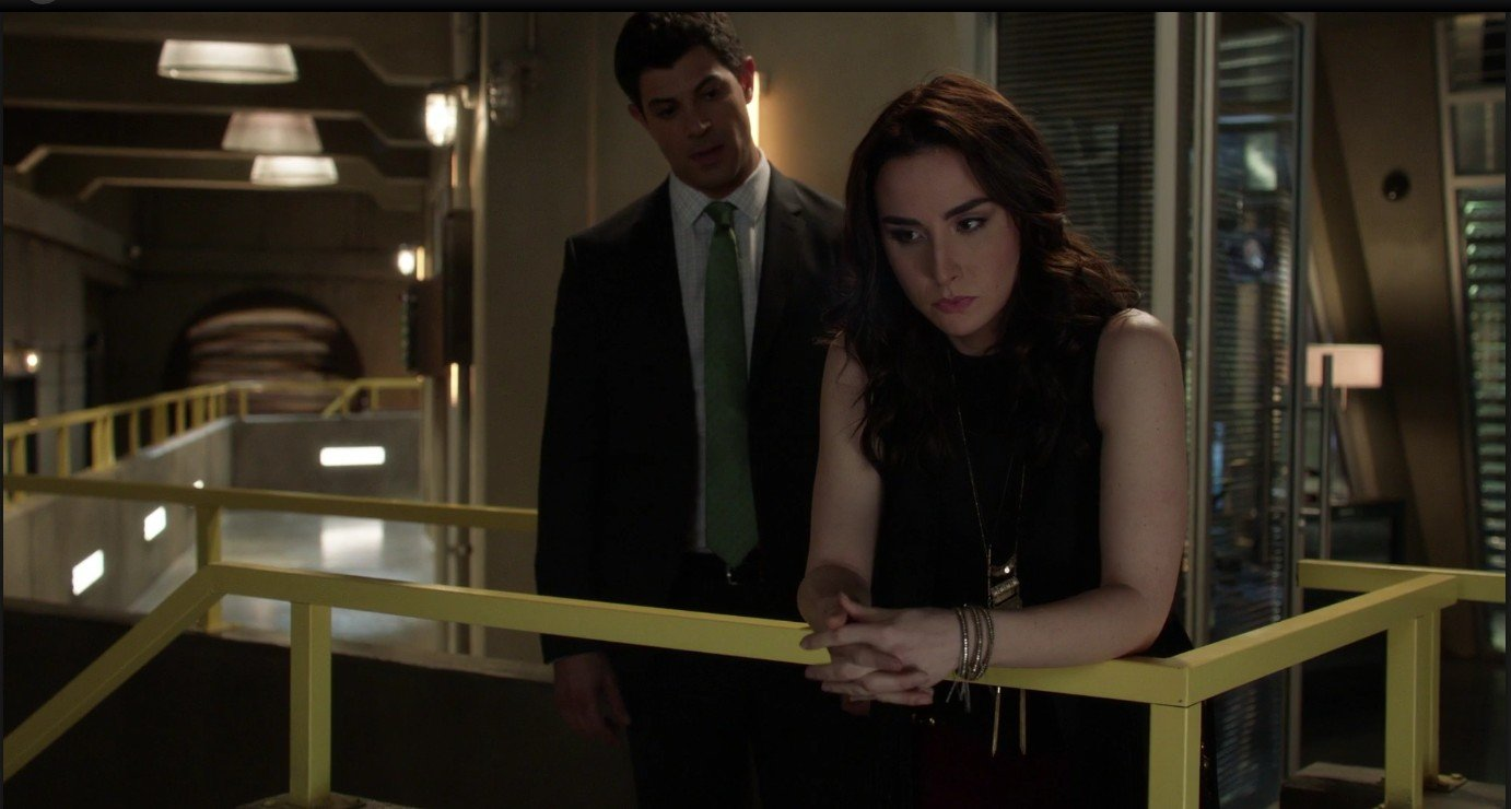 Stitchers S03E01 – Out of the Shadows