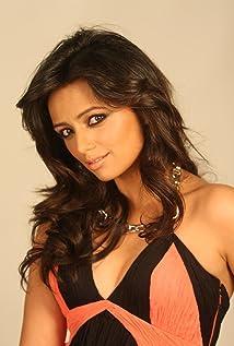 Roshni Chopra Picture