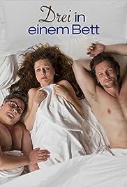 Drei in einem Bett Poster