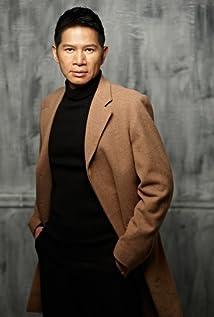 Aktori Jackson Lou