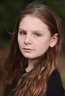 Aktori Elise Reed