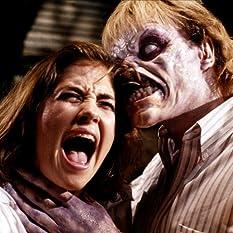 Kassie Wesley DePaiva and Richard Domeier in Evil Dead II (1987)