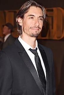 Aktori Philippe Spall
