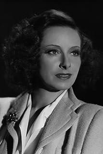 Lili Muráti Picture