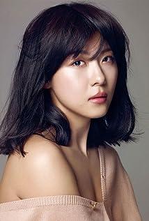 Ji-won Ha Picture