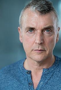 Aktori Euan Macnaughton