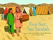 Four Feet, Two Sandals de Karen Lynn…
