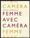 Femme avec caméra