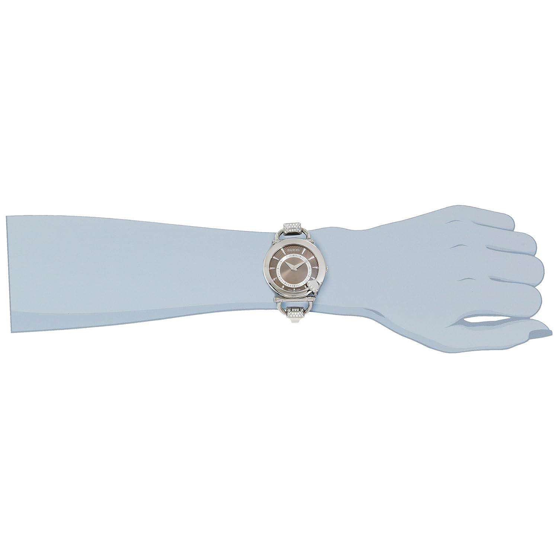 The Gucci Chiodo YA122512 on wrist