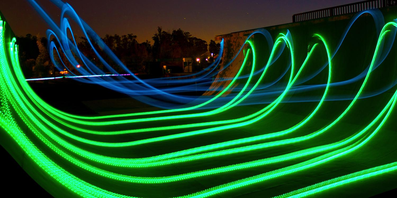 Sunset Skateboards /'Geist/' Klar Deck Weiß Schlaghose LED Aufleuchtend Räder