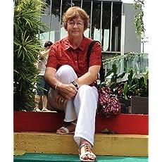 Lucinda E Clarke