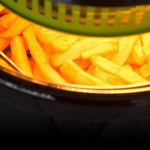 La Freidora Dietética Cecofry Compact te permite cocinar sin utilizar aceite. Podrás seleccionar simultáneamente el tiempo y el menú de cocción.