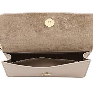 bdeaff9a8981 FURLA(フルラ)のショルダーバッグです。 バッグと長財布をセットで持ち歩ける機能的なデザイン。 セパレートしてそれぞれ単独でもお使い頂けます。