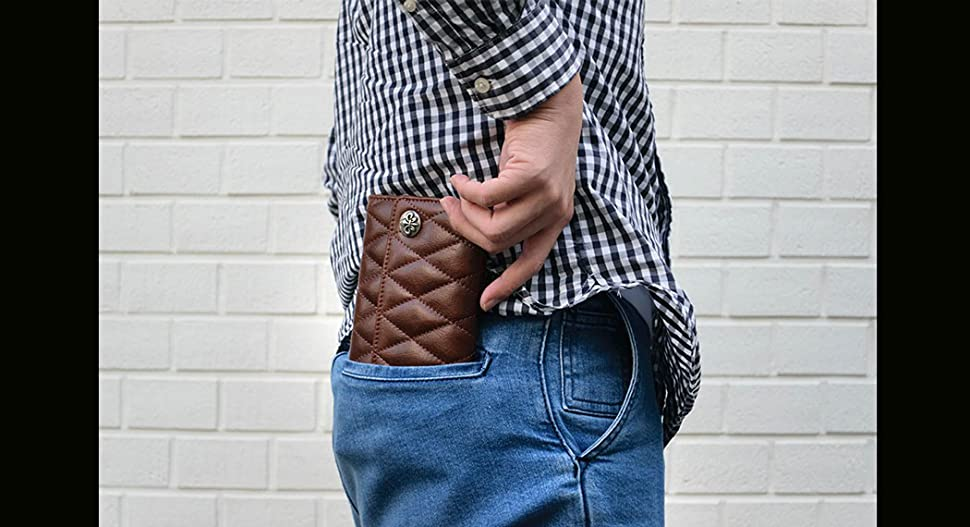 6039e937ae26 独特の艶と擦れ感が特徴のイタリアンレザーを立体感溢れるダイヤキルティング加工された三つ折り長財布シンプルに設計された持ちやすいデザイン。