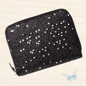 1d4b342ca9e0 手のひらサイズのお折り畳みミニ財布ですが、すっきりとした内装に10個のカードポケット、お札がそのまま入るコンパートメント、ファスナー付きのコインポケットが  ...