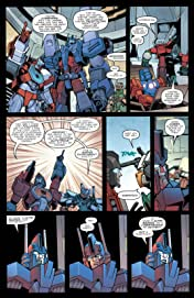 Transformers: More Than Meets the Eye (2011-) #24: Dark Cybertron Part 4