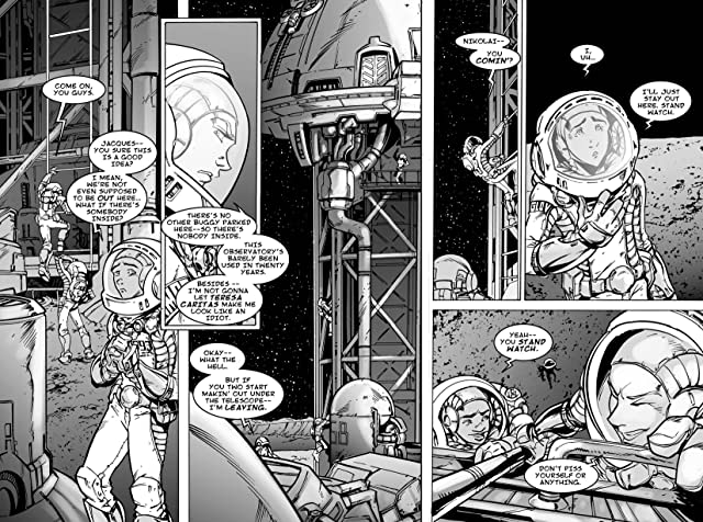 click for super-sized previews of Earthlight Vol. 1