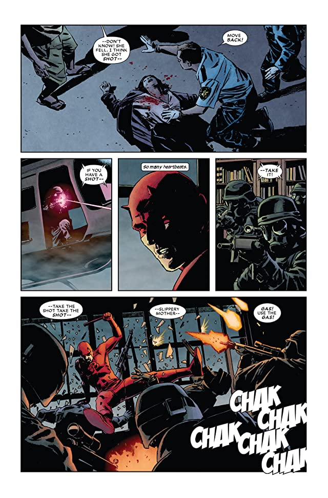 click for super-sized previews of Daredevil (1998-2011) #110