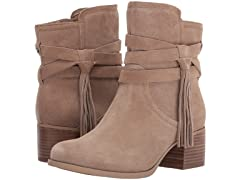 Koolaburra by UGG Women's Kenz Fashion Boot