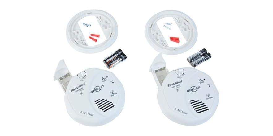 first alert onelink smoke alarm with voice alert 2 pack. Black Bedroom Furniture Sets. Home Design Ideas