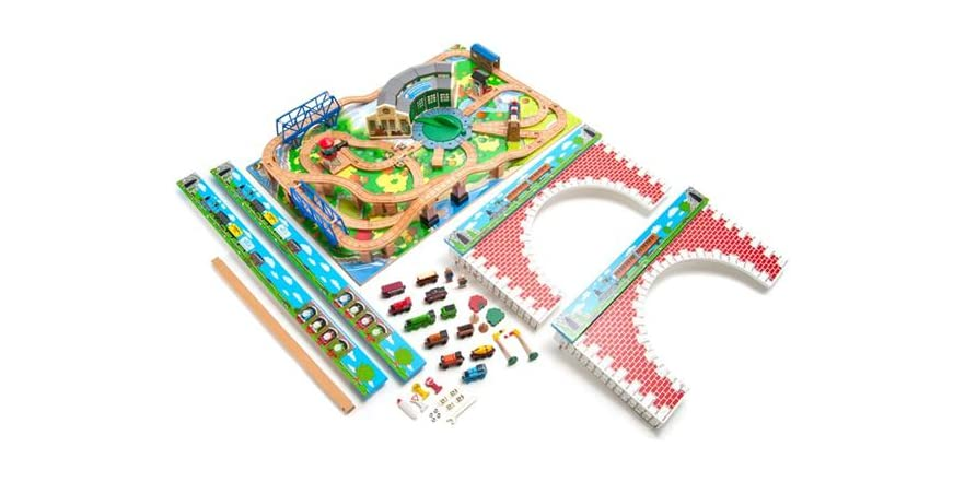 Thomas & Friends Wooden Railway – Tidmouth Sheds Deluxe Set with ...