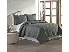 Amrapur Overseas Solid Embroidered Quilt Set