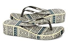 MUK LUKS Women's Flip Flop Sandals,Ivory