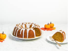 Red Velvet XOXO Pumpkin Bundt Cake Mix Kit with Toasted Pecans & French Wooden Baking Spoon