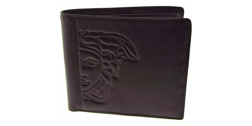 ‎‎‎The collection by ‎Emporio Armani ‎ features the finest Italian ‎Wallets ‎ for ‎Men‎. Contemporary design, Armani heritage.
