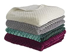 Serta Reversible Embossed/ Sherpa Throw