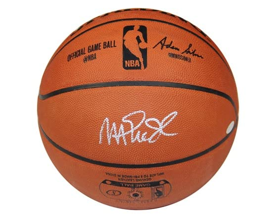 buy popular 1c77a b489d Magic Johnson Signed Basketball