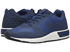 Nike Men's Nightgazer LW Shoes